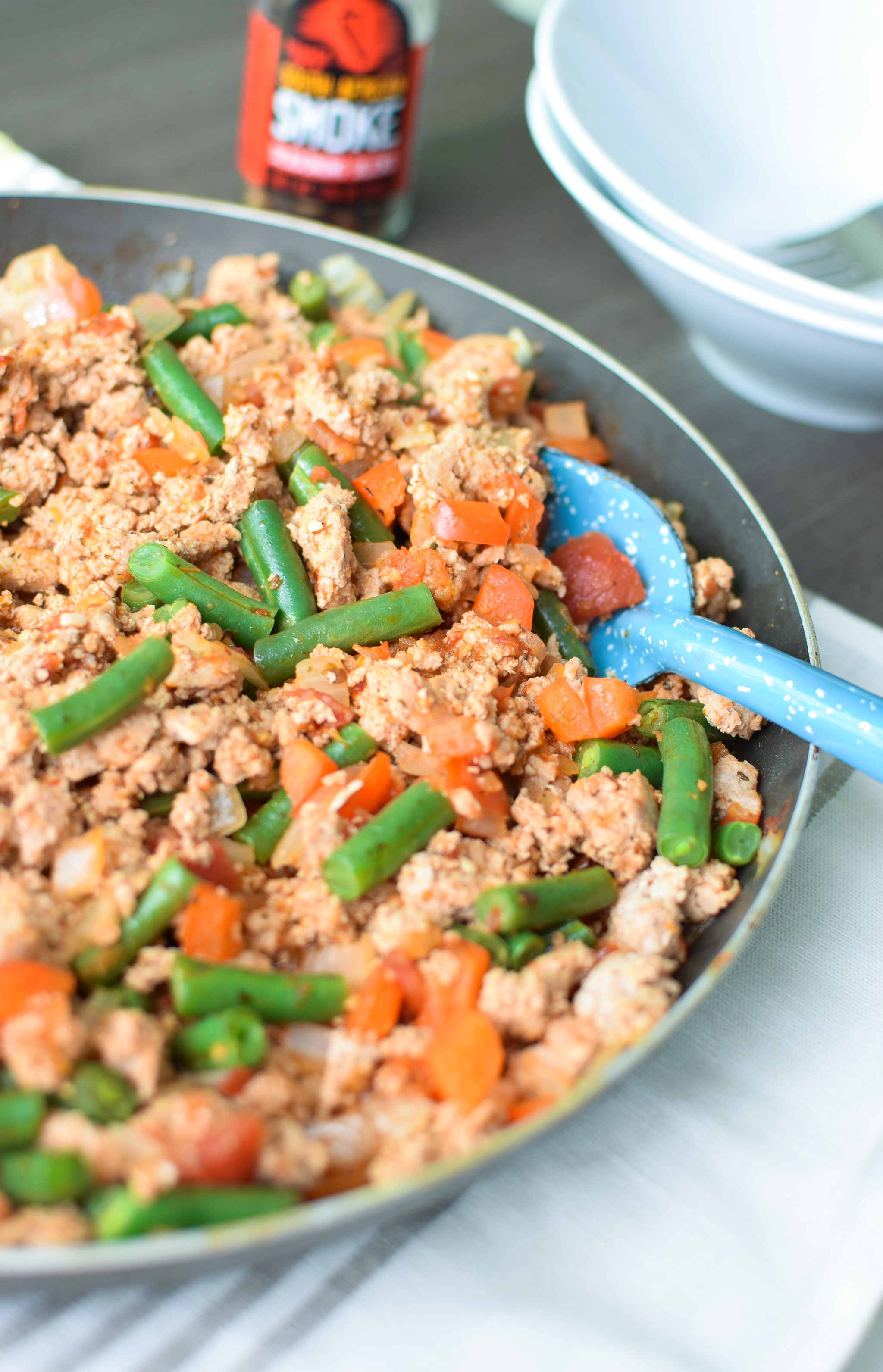 Check out this main dish recipe for the Smokey Green Bean Turkey Skillet! Smokey goodness with a hint of kick, and fresh bell pepper and green beans! YUM. - ProjectMealPlan.com