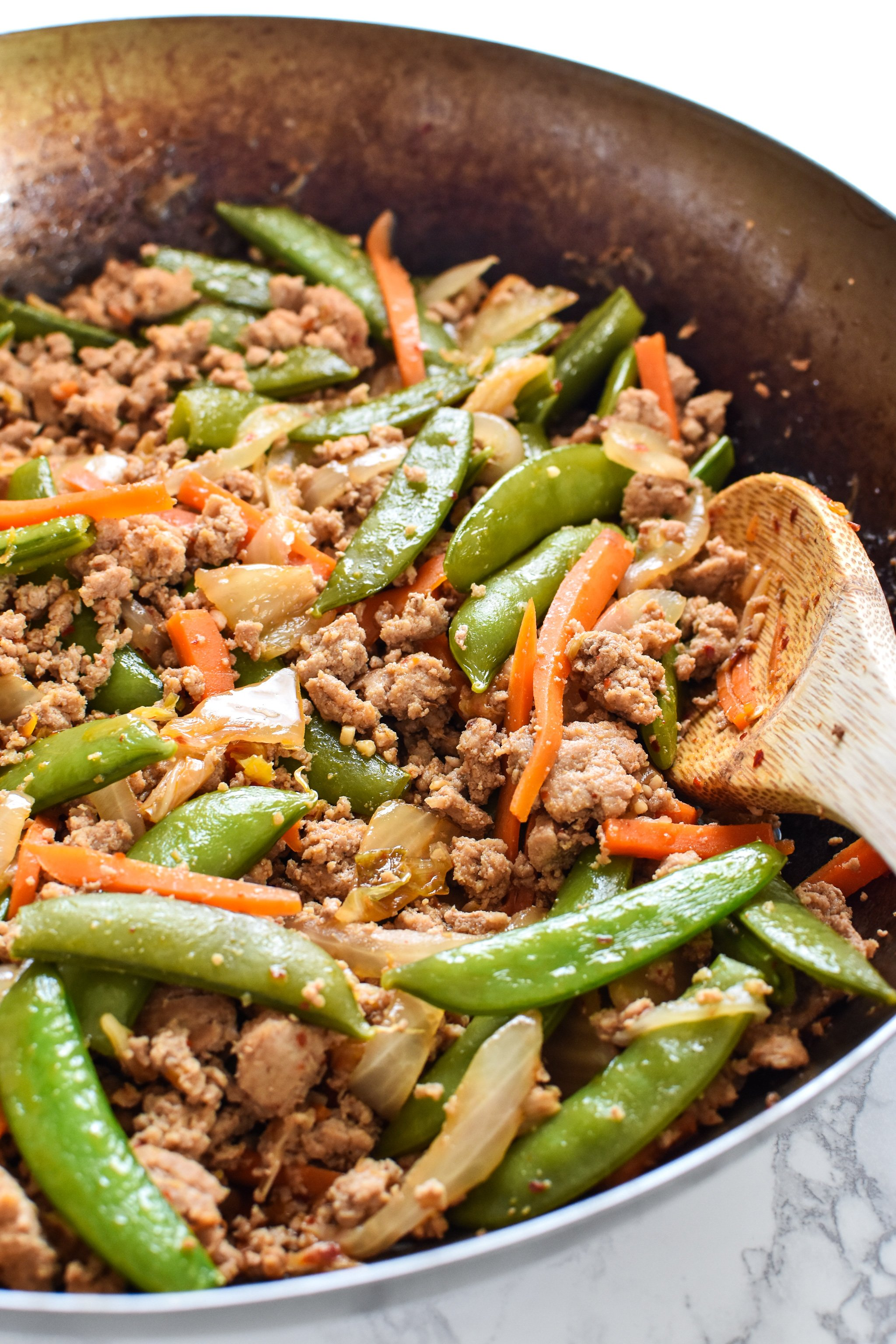 Meal Prep Ground Turkey Snap Pea Stir Fry Rice Bowls - A delicious recipe for veggie filled stir fry, super easy to meal prep for lunch! - ProjectMealPlan.com