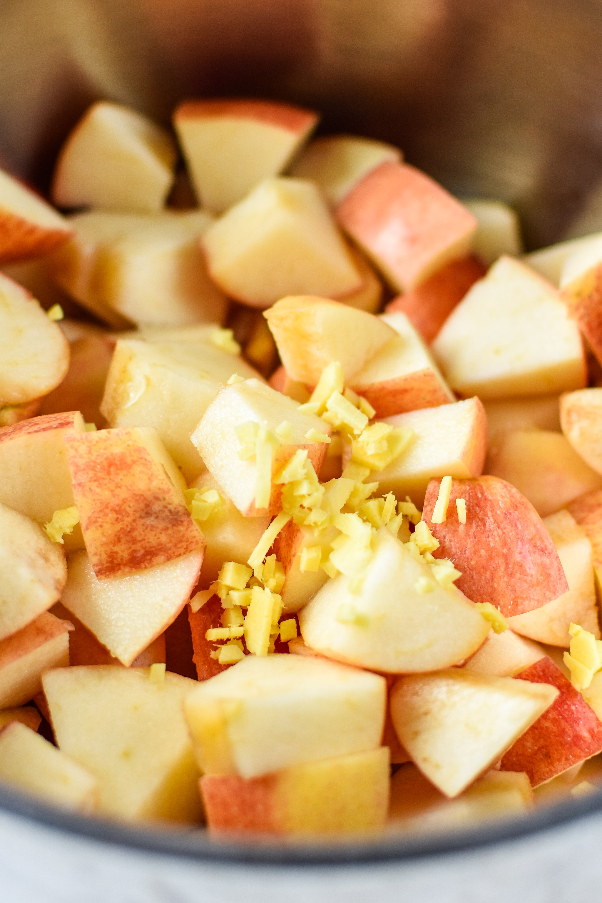 Apples and ginger for the ginger pear cinnamon applesauce